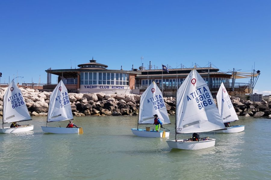 YACTH CLUB RIMINI, AL VIA I CORSI VELA IN TOTALE SICUREZZA